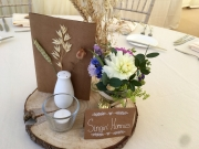 weding-venue-table-flowers-delamere-flower-farm